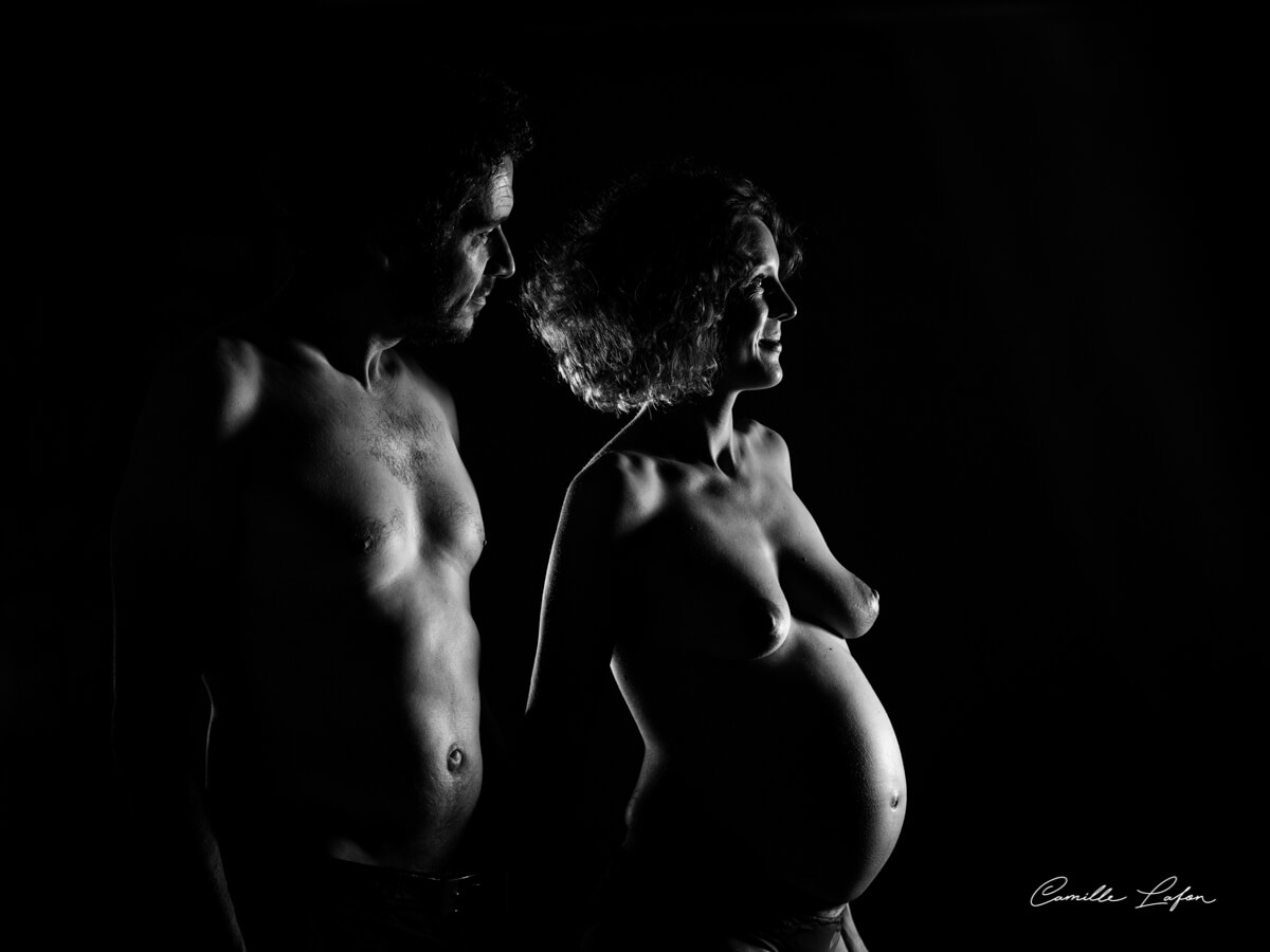 photo-couple-grossesse-studio-montpellier